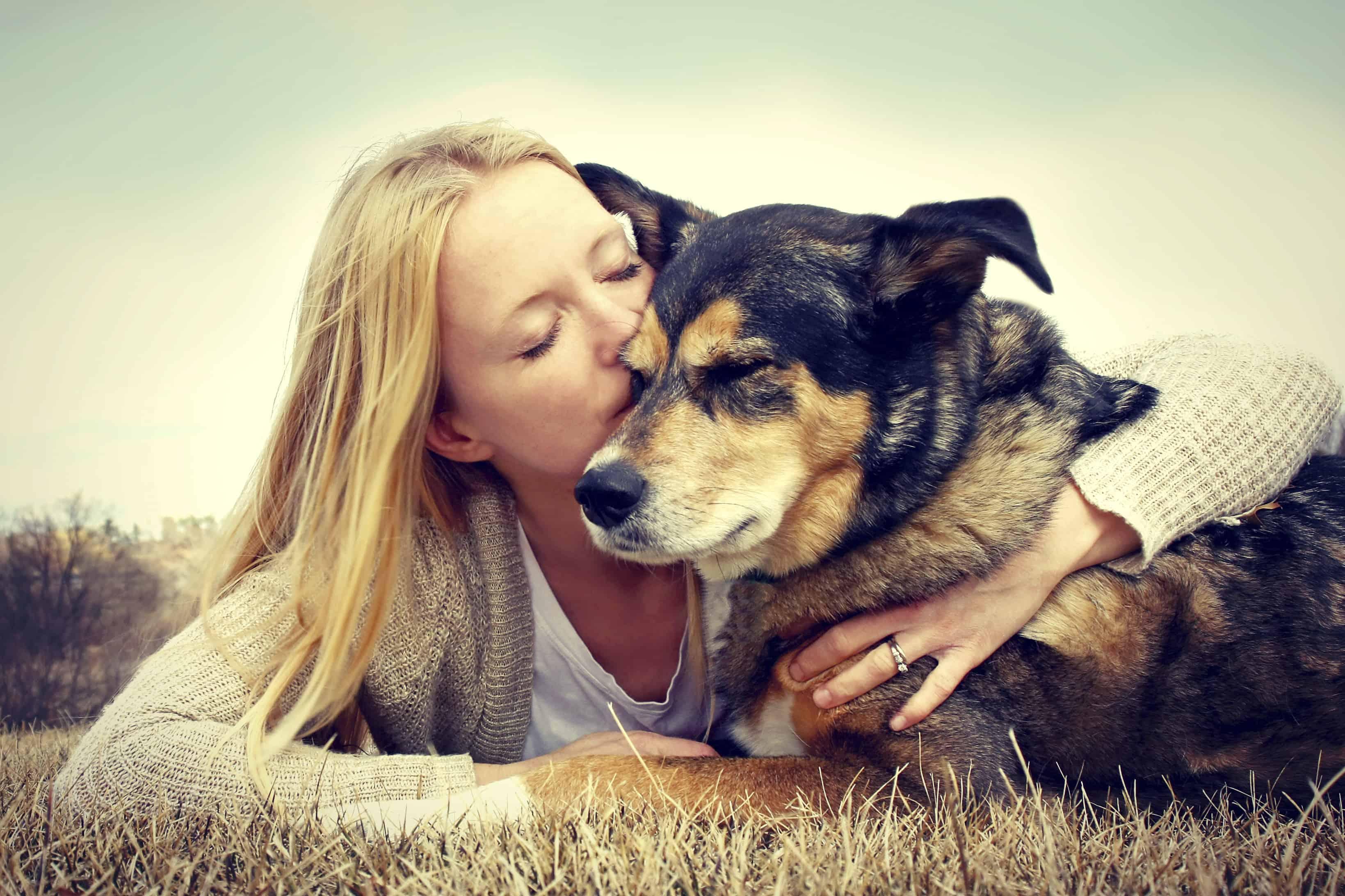 Смотреть блондинка с псом 6 фотография